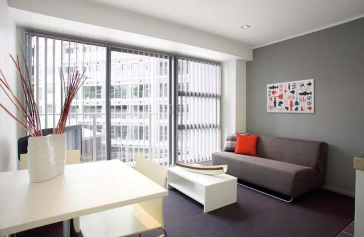 Centrally located 2 bedroom apartment in CBD!