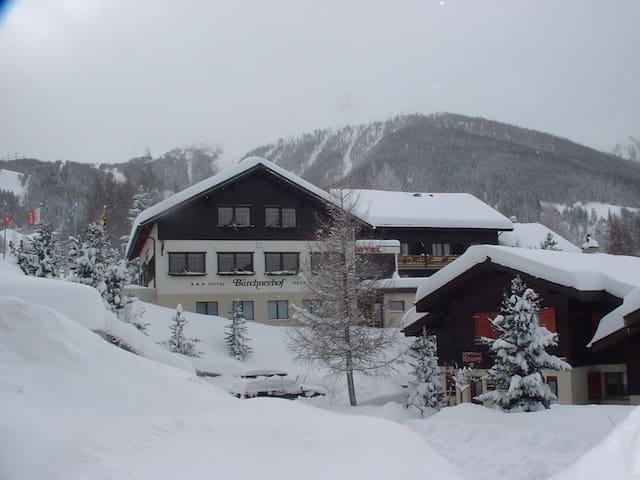 BnB direkt neben Skipiste/Wanderweg - Bürchen - Bed & Breakfast