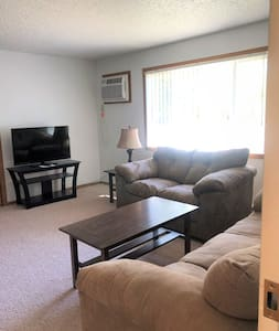 Cute + Cozy 2 bed, 1 bath furnished apt - Hazen, ND