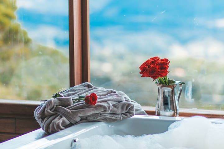 Cabana luxo com jacuzzi e vista espetacular!