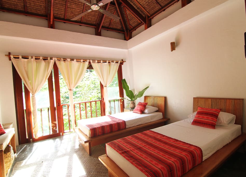 Standard Bedroom with bamboo views with Queen bed or King Singles