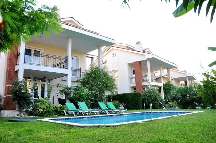 4 Bedroom Villa, sleeps 8 - Yanıklar - House
