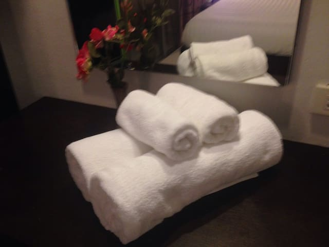 Bath towels,Face towels  2set free rental service