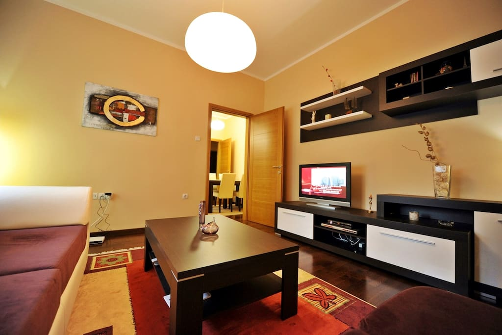 Large living room with flat TV and free WiFi
