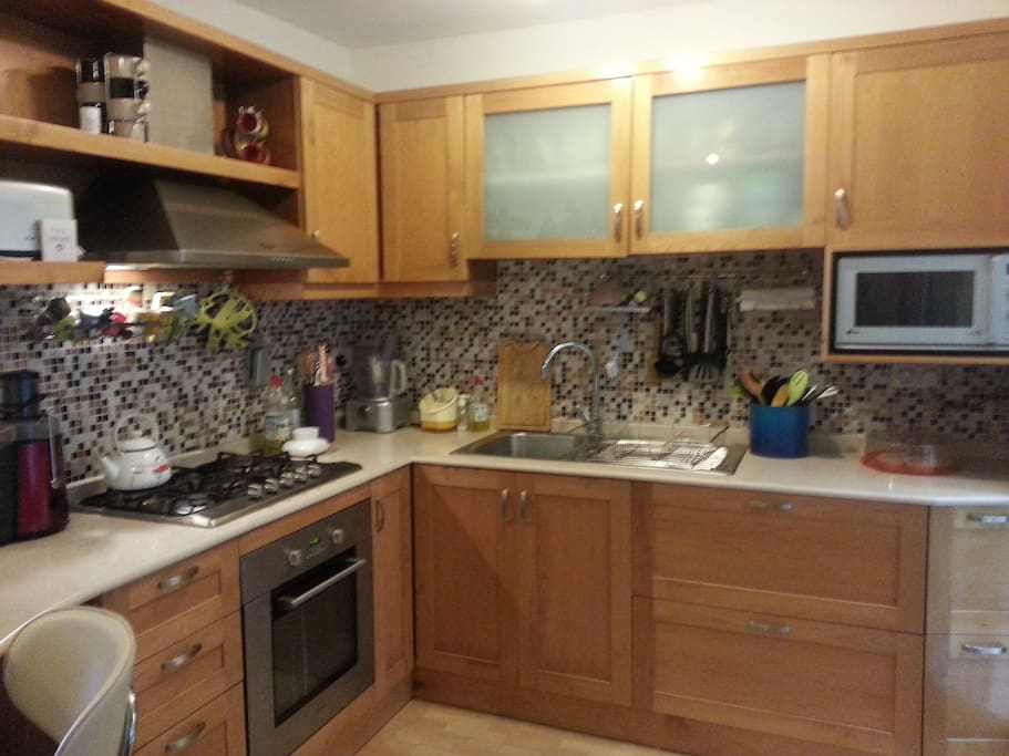 Fully functional kitchen, oven, hob, microwave ect.