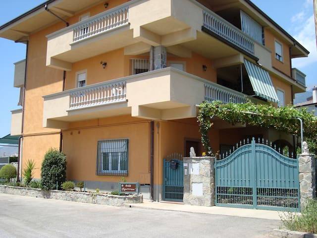 B&B Esperanca appartamento  4 pers - Frascineto - Appartement
