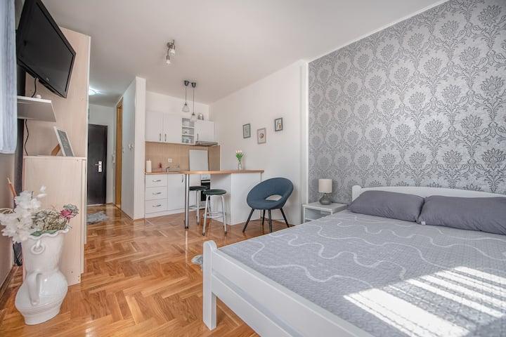 Stella Modern Apartment 2