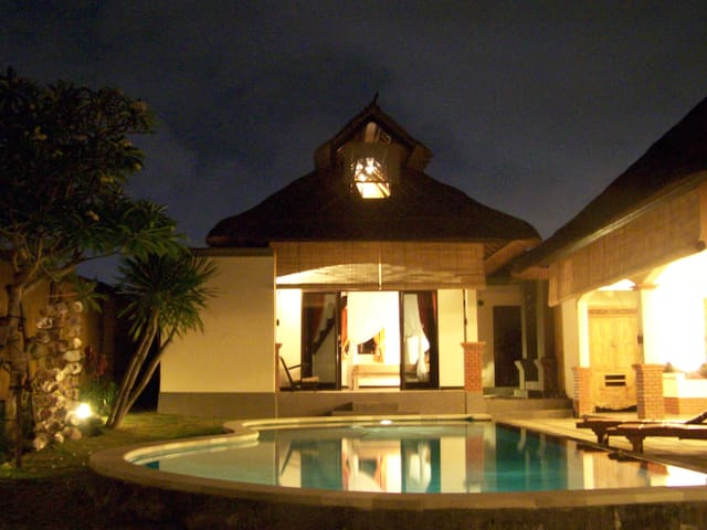 Canggu open floor villa with pool - North Kuta - Villa