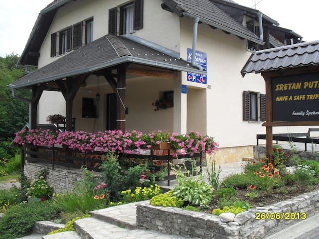 House Katarina,Room No.2 - Plitvička Jezera - บ้าน