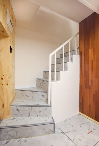 Stairs to the bed room