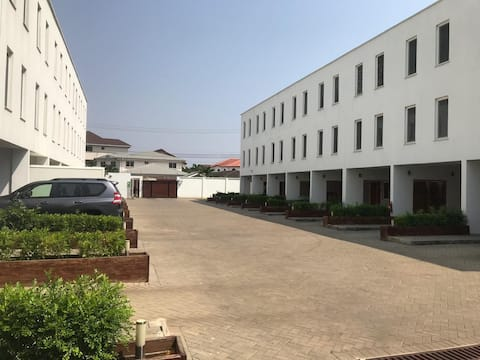 Stylish 3-Bedroom Townhouses, fully serviced.