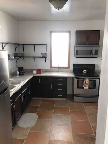 Furnished 3 bed 2 bath home near everything