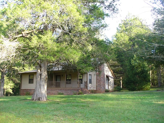 UGA Athens Cute Cottage Rental!  - Athens - House