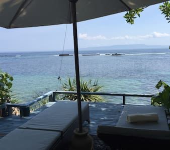 """ANANAS""Private Beachfront Bungalow - Karangasem"