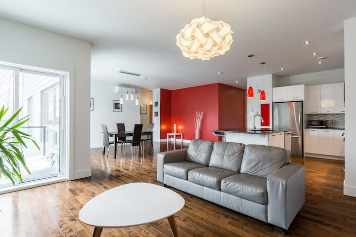 Spacious modern apt in the Village with parking - Montreal - Wohnung