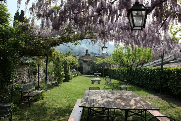 Assisi center with garden/pool - S Rosa