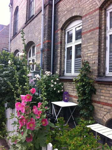 Charming Townhouse with cosy patio