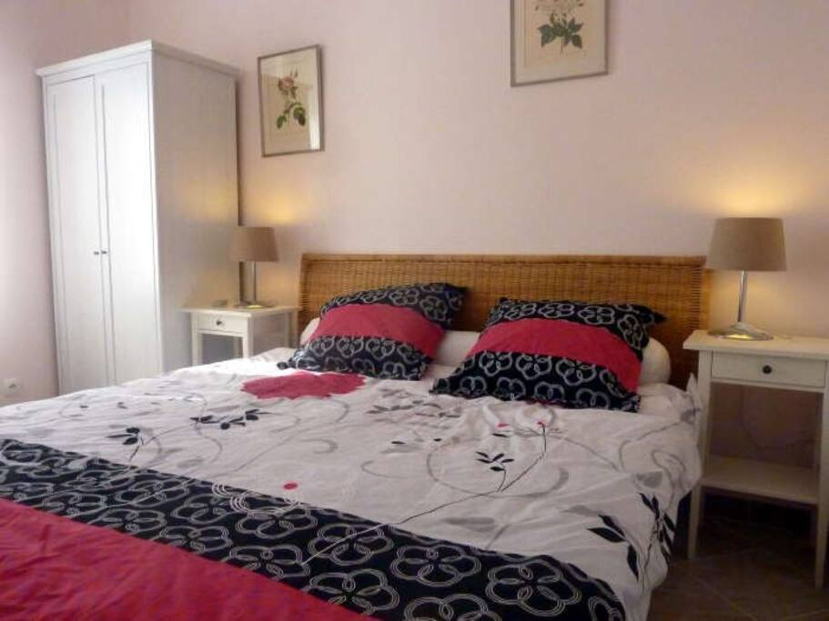 Rose Bedroom with King Size double - can also be twin beds
