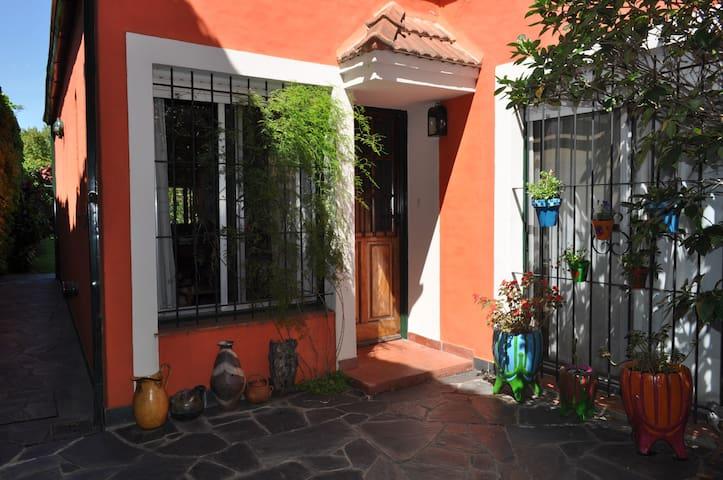 casita con jardín en san isidro - Beccar - Hus