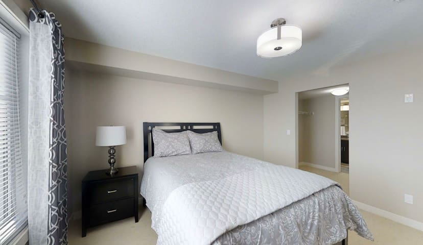 One bedroom at Middle of Beautiful downtown