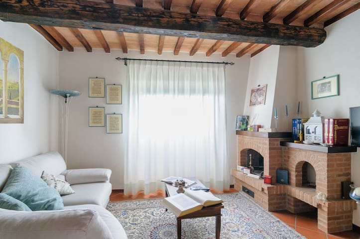 Tuscany:overlooking Crete Senesi - Asciano - House