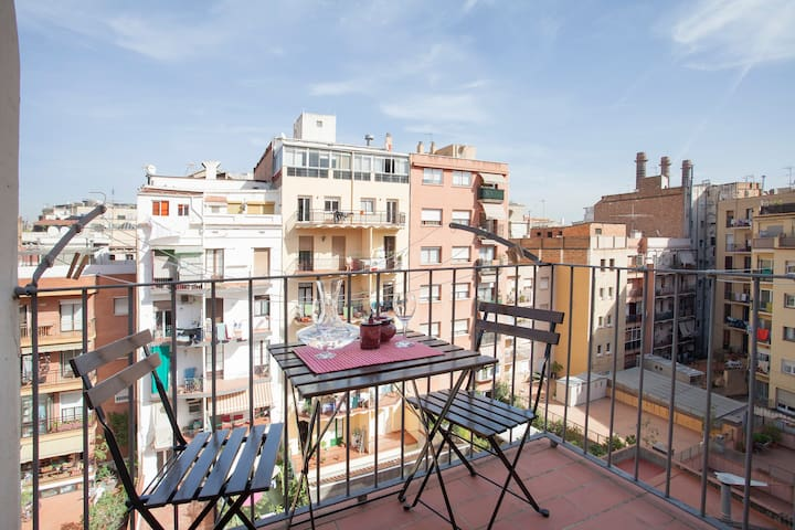 Centric flat of 3 rooms & terrace!