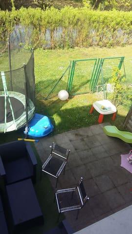 Maison avec terrasse, calme à 10 minutes de Rouen