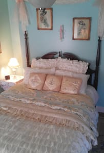 Main Street Suite - Bellwood - Bed & Breakfast