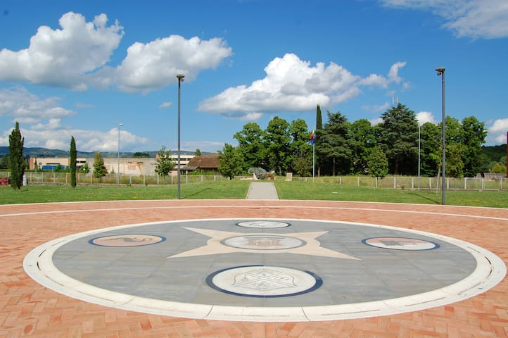 Monteriggioni Flat Amphitheater - Castellina Scalo