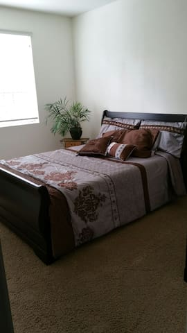 Wine Country Room to Rent - Winchester