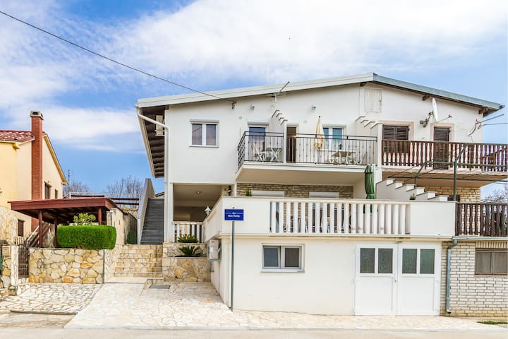 Apartment Anka (14491-A3) - Maslenica (Zadar) - Apartment