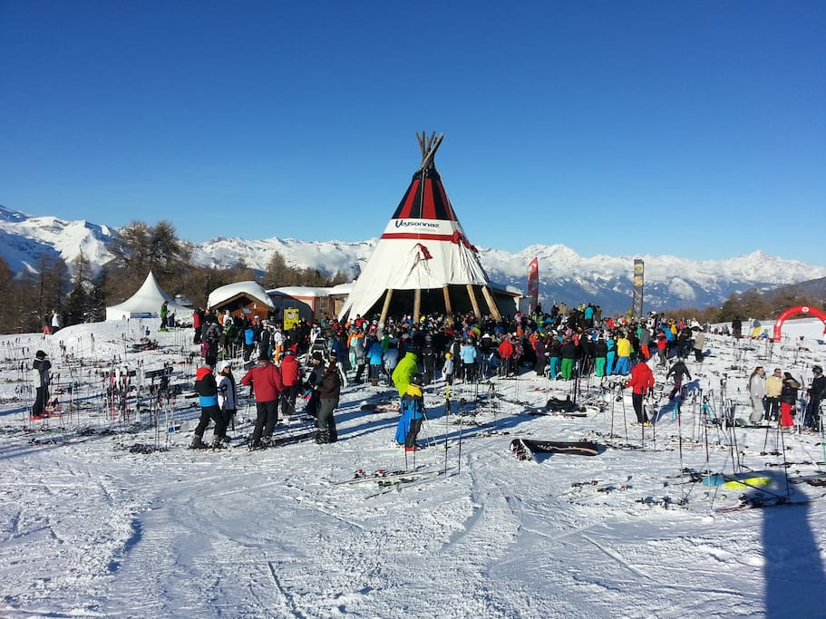 Enjoy the skiing and finish the day at the tipi.