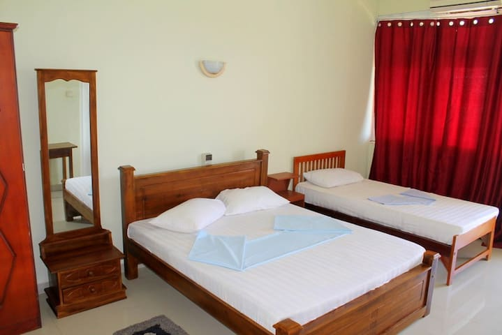 Sea View Room in Hikkaduwa-Aqua B/R - Hikkaduwa - Bed & Breakfast