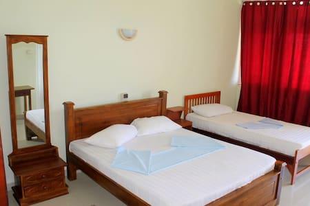 Sea View Room in Hikkaduwa-Aqua B/R - Hikkaduwa - Bed & Breakfast