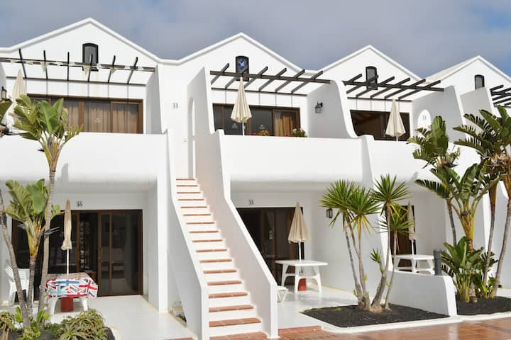 Costa Teguise Apartment with a Sunny Balcony