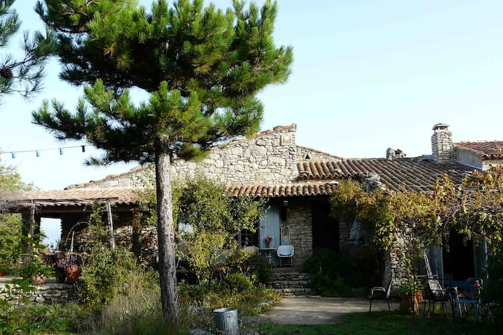Luberon Provence rooms to rent - Saignon
