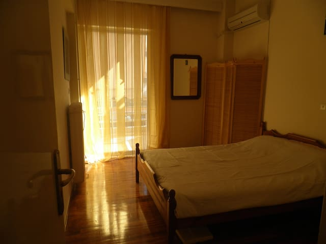 Cozy apparment 5' mins from Metro - Nea Ionia - Apartment