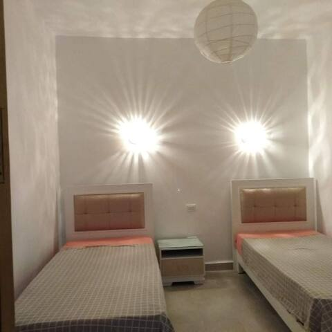 2 singles beds