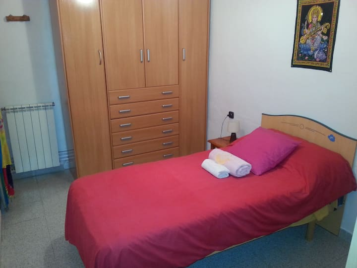 Nice Single Room in TERRASSA city