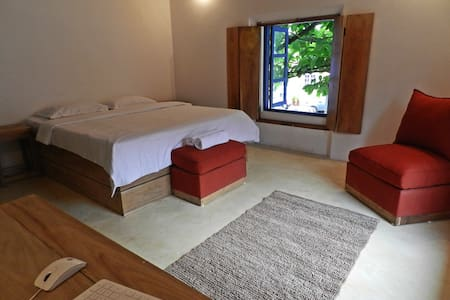 Old Quarter Hostel - Deluxe Double - Panjim