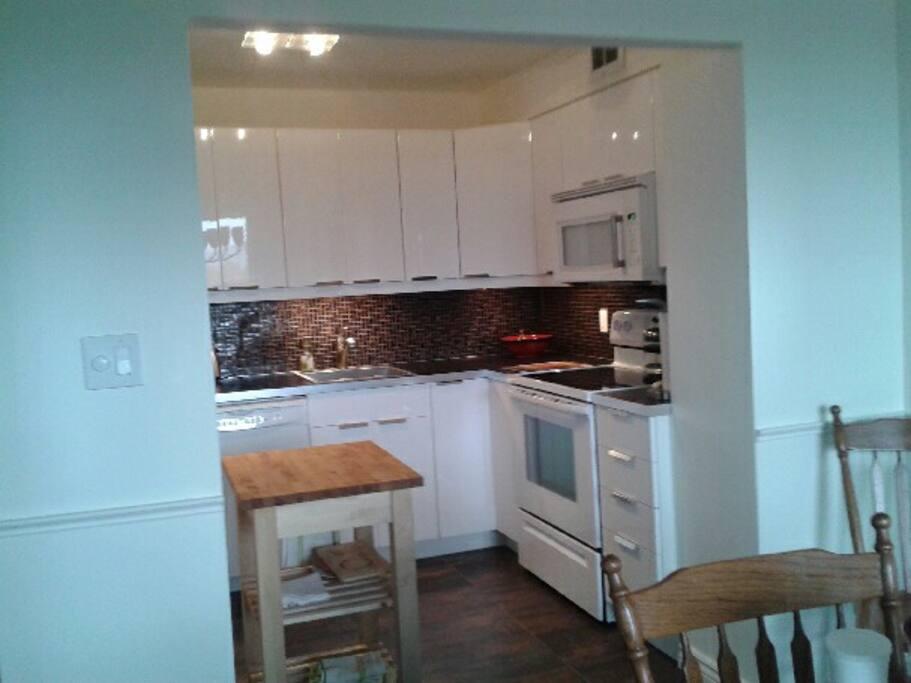 clean, modern, very well organized kitchen