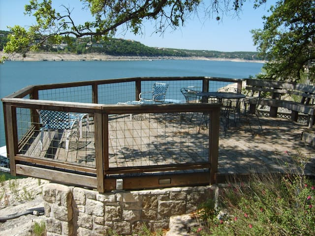 Waterfront Lake Travis 4 bedroom w/amazing views - Lago Vista - Rumah
