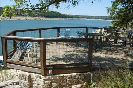 Waterfront Lake Travis 4 bedroom - Lago Vista