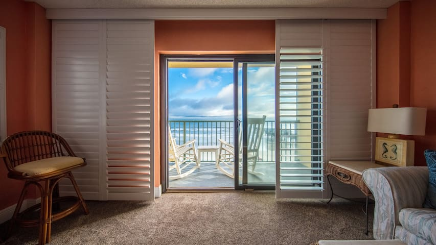 Luxury Corner Direct Ocean Front Condo