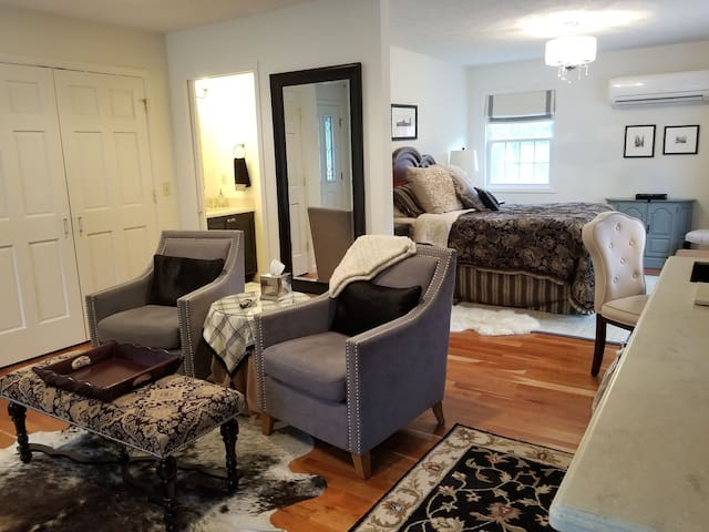 Cottage In-Law Suite