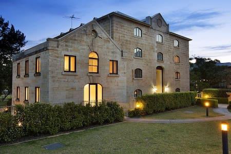 Riverside Georgian Property - Canterbury  - Castillo