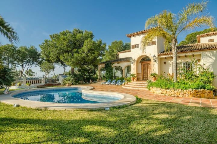 Sun-kissed Villa in Albir with Swimming Pool