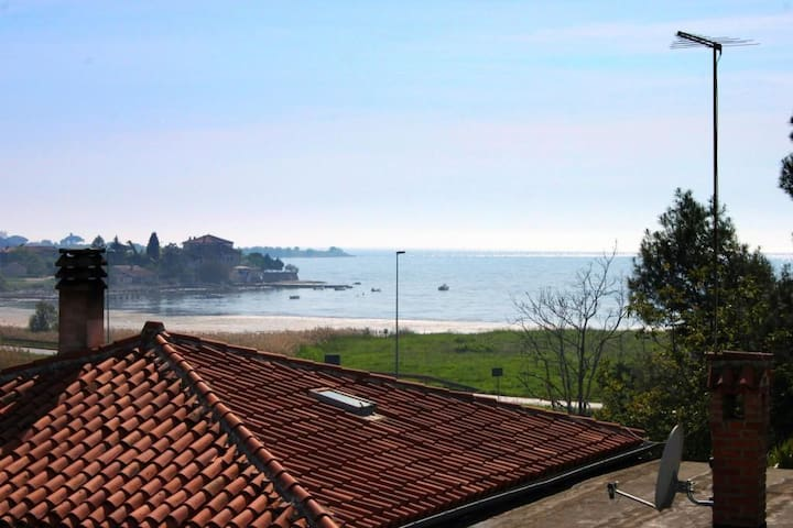 One bedroom apartment with terrace and sea view Karigador (Novigrad) (A-2534-a)
