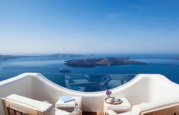 Eco-Luxury Accommodation-Santorini