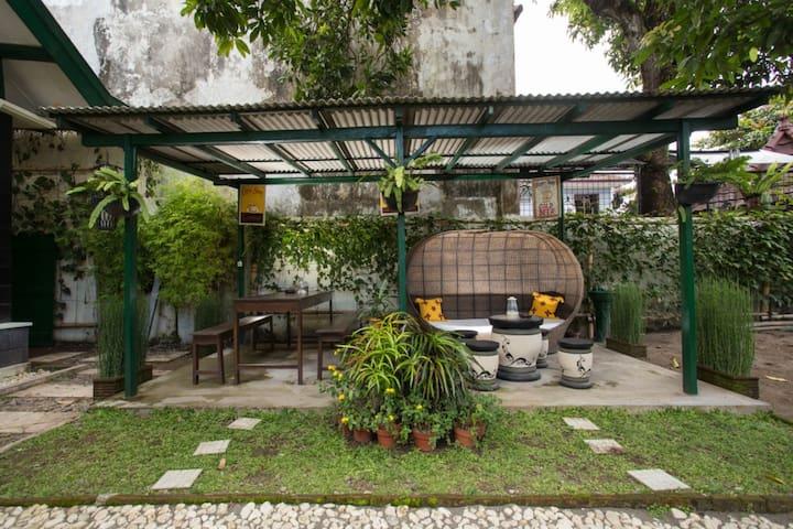 Mango Tree Dipudjo Gedong Gincu Room